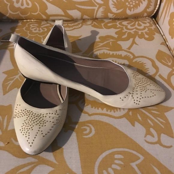 5e4160605a4 Chloe White Ivory Suzanna Susanna Flats Size 40